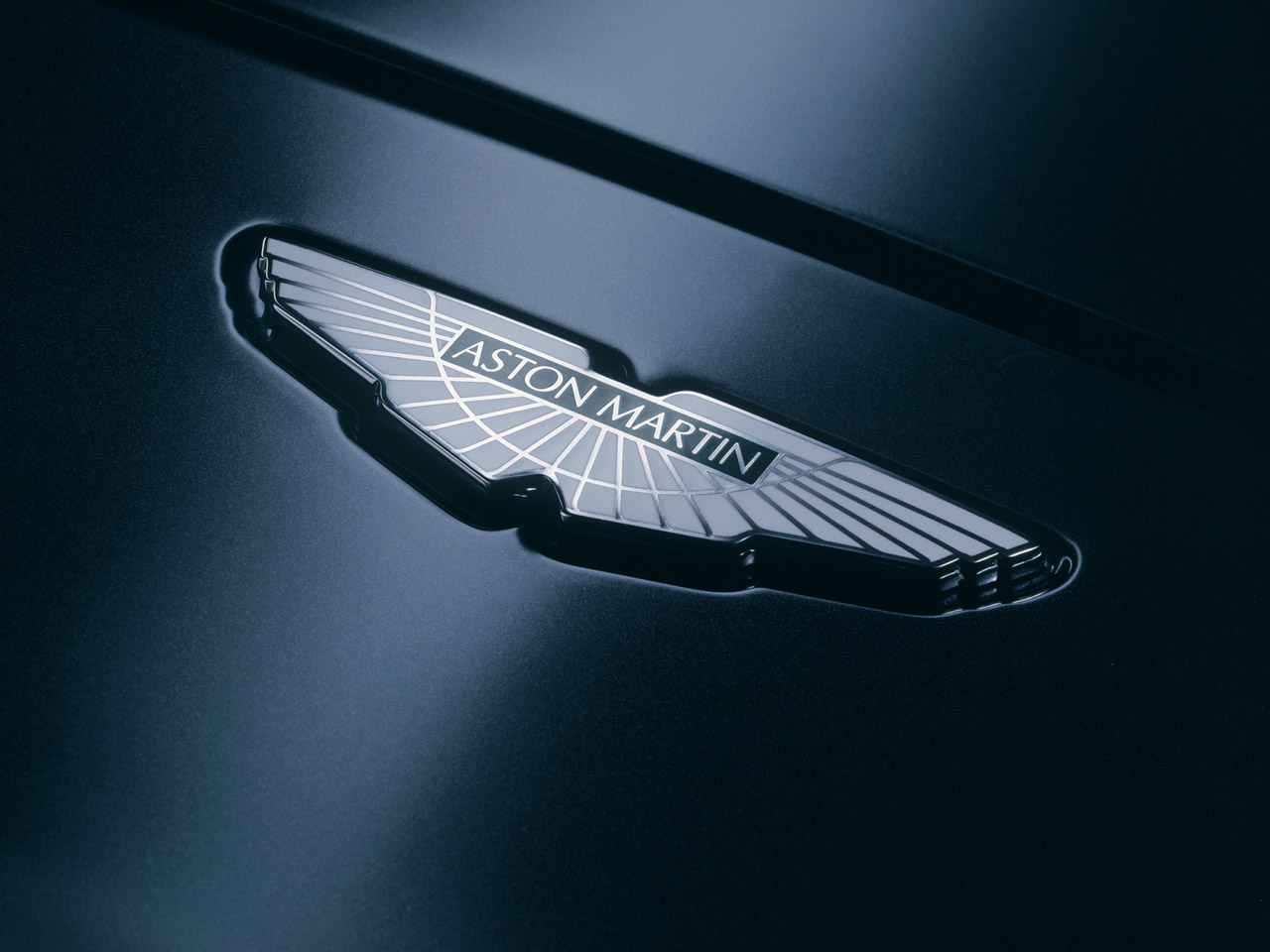 British Aston martin logos company